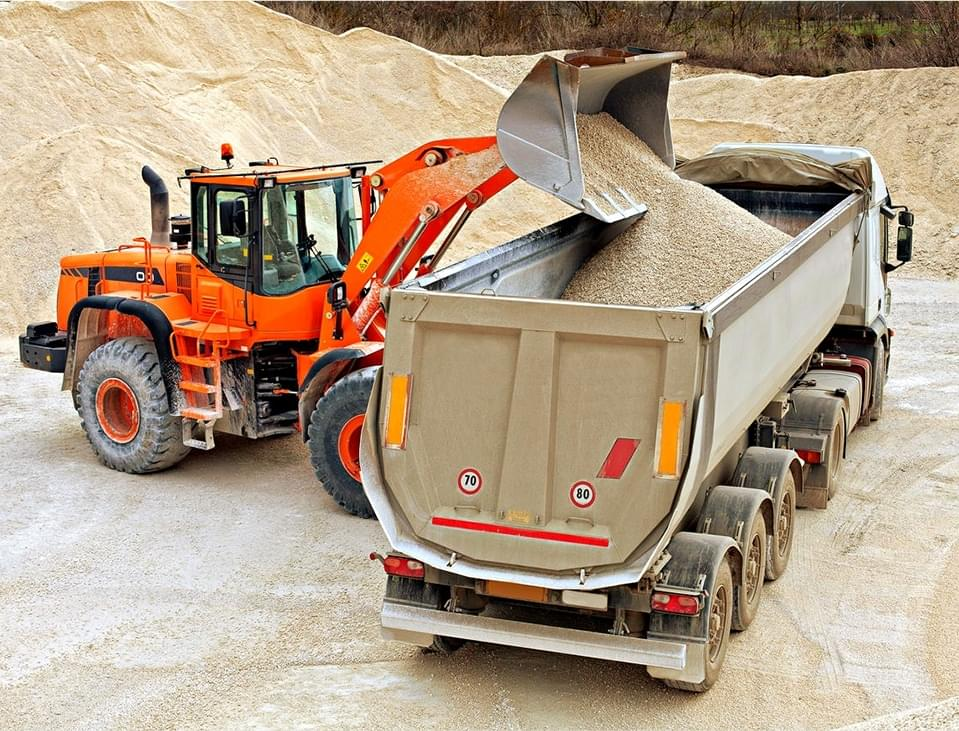 Доставка щебня, песка и стройматериалов